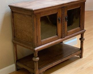 Antique Rustic Glass Front Console Cabinet	29.5x32x15in	HxWxD