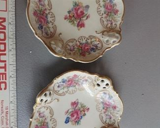"""2 Rosenthal 4"""" Pierced Pin Dishes w/Roses Kronach Germany Moliere  $$30"""