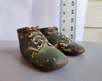vintage baby shoes $14