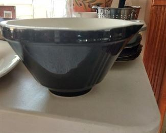 Mixing bowl $10