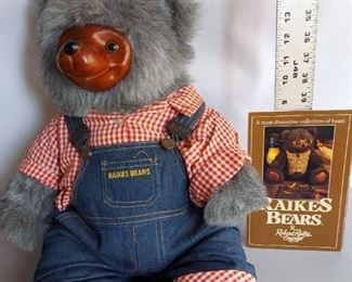 ROBERT RAIKES HUCKLE BEAR FARMER OVERALLS COLLECTOR BOX LIMITED EDITION VINTAGE $50