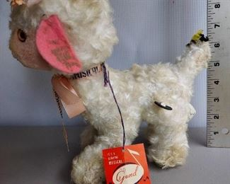 Gund Vintage Wind Up Musical Stuffed Animal  Music works! $22