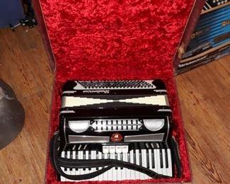 Stradivarius  accordion