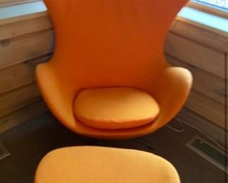 Orange MCM Egg Chair Contour Winged and Matching Ottoman , Arne Jacobsen's