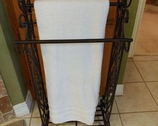Black iron towel holder