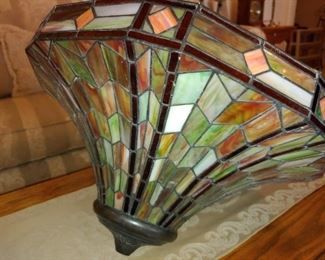 Quoizel Tiffany Light Fixture