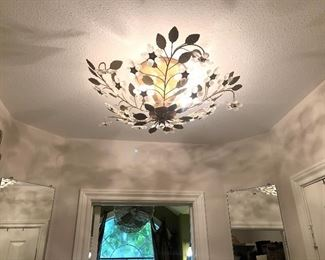 Elegant Ceiling Light Fixture with Leaves