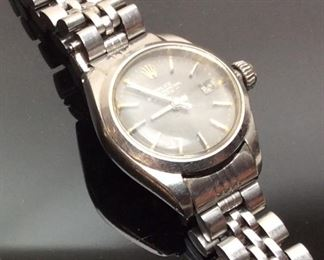 VTG. WOMEN'S ROLEX OYSTER PERPETUAL GRAPHITE FACE, NEEDS SOME REPAIR, IS KEEPING TIME