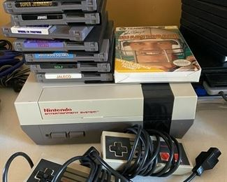 Nintendo entertainment game system with games & controllers	N/a		D967