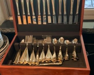 12 place setting Gorham Golden Ribbon Stainless Flatware Set settings+ extra			19652