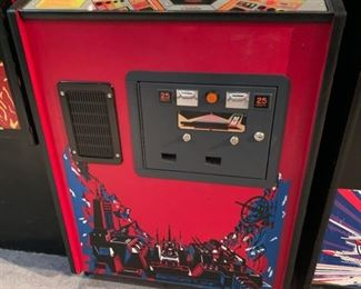 1980 Midway Space Invaders Deluxe Video Arcade Game Coin-Op	68x26.5x34in	HxWxD	19577