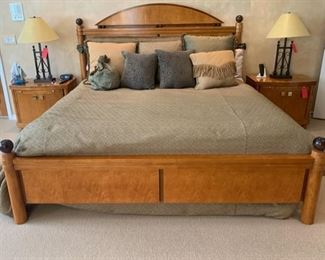 King Size Bed Frame Hickory White Genesis Collection Neo Classical	58x82x88	HxWxD	GD108