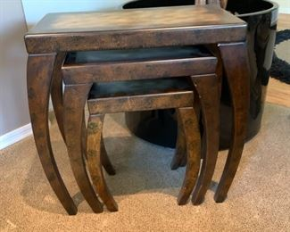 3pc Contemporary Nesting Tables	Largest: 26x26.5x13.5in	HxWxD	19506