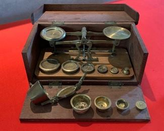 Brass balance Scale in Case			19677