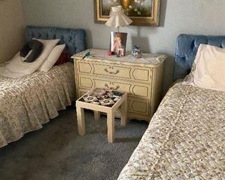 bedroom twin set and 3 drawer dresser