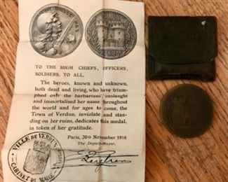 Medal from Verdun with certificate and leather pouch