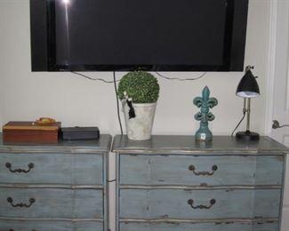 "$200.00, same, flat screen TVs decor 65"" Plasma Pioneer elite"