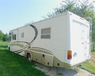 2002 Damon Challenger RV  WITH 46,000 MILES.A TRUE MUST SEE!! New tires and breaks!! Has a 454 engine