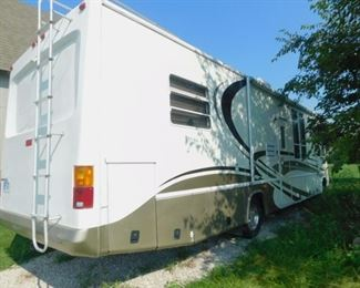 2002 Damon RV  WITH 46,000 MILES.A TRUE MUST SEE!! New tires and breaks!!