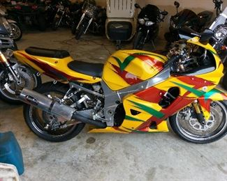 "Biker Boyz leader Kid (Derek Luke) bike in the movie from 2003, ""Biker Boyz"".  2001 Suzuki GSX-750R with 3,084 miles, comes with title.  Bike has reserve and any bid can be rejected by seller.  Bike has been modified with Suzuki 1000 forks for stunts and stability.  Renowned stunt man Jason Britton performed all stunts.  Bike is sold AS_IS."