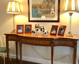 Console / entry table
