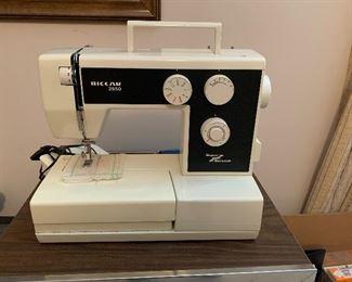 #70Riccar 2950 sewing machine $20.00