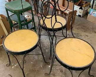 #86Vintage ice cream parlor chairs set of 3 $20 each