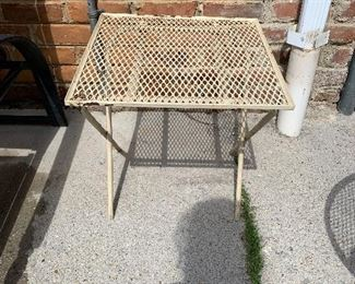 #95Square outdoor side table $5.00