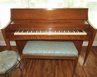 GORGEOUS KIMBALL PIANO, BENCH AND MATCHING OTTOMAN THAT IS PERFECT FOR A WATCHER WHEN SOMEONE IS PLAYING