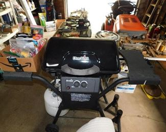Nice CharBroil propane grill