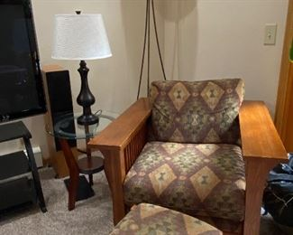 Craftsman style solid oak chair & ottoman, table & floor lamps, Glass top table