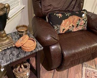 Power recline chair