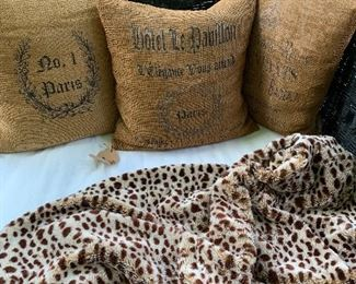 French pillows Leopard throw