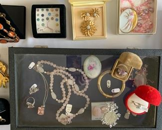 YOU MUST HAVE A SHOPPING APPOINTMENT. Please go here to schedule an appointment --> https://estatesale.as.me/