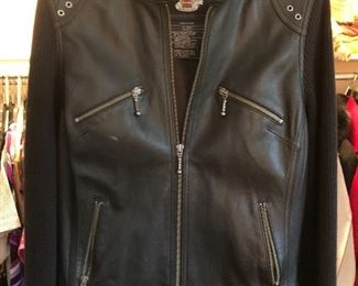 Women's Harley Davidson leather jacket with woven sleeves - like new - sz L
