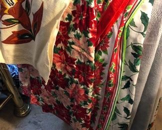 vintage Christmas linens