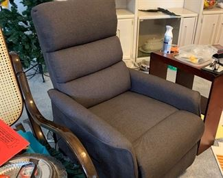Extra nice lift chair