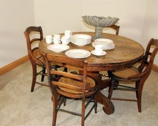 Round Oak Table, 4 Side Chairs