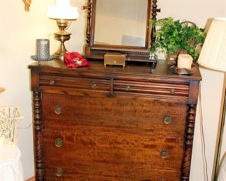 Nice Antique Chest of Drawers with Matching Shaving Mirror