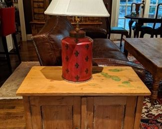 Vintage pine 2-door chest, with tole table lamp.