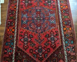 "Wonderful hand-woven wool Persian Malayer rug, measures 4' 7"" x 7' 4""."