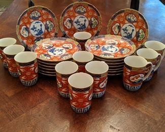 32-piece set of Japanese Imari china dessert set.