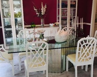 """Hickory """"Chinese Chippendale dining set includes table and 8 chairs"""