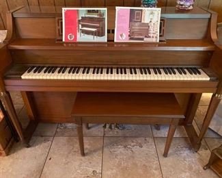 8.Piano     $220