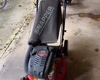 """$280 Snapper 21"""" Hi Vac Splawn mower"""