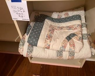 $18 quilt and two shams machine made - no stains