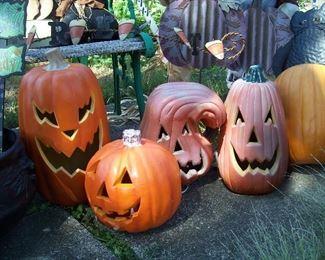 Lighted Halloween pumpkin heads