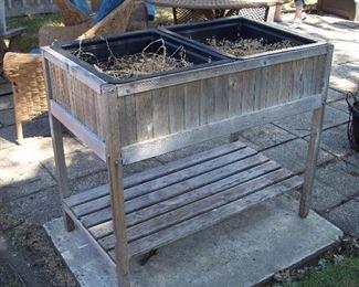 Wood raised garden planter