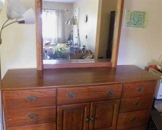 Thomasville Triple Dresser w/Mirror