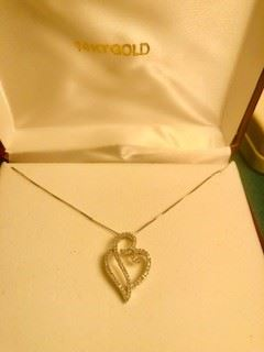 14k white gold Diamond Necklace 1/4ct total weight